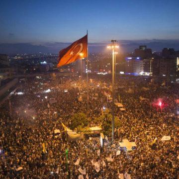 """Av. Özgür Urfa Yazdı; Bir Gezi Savunusu; """"Yeniden Kıymetlendirilene"""" Direnmek"""